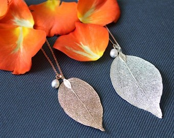 Leaf necklace, silver leaf necklace, autumn necklace, rose gold leaf pendant, bridesmaid necklace, real pearl necklace, leaf necklace