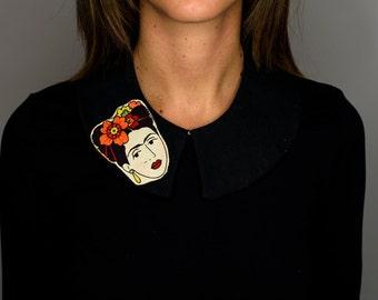 detachable black Frida collar