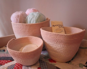 Set of 3 dip-dyed Nesting Baskets