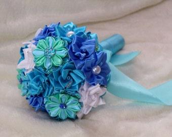 Mini bouquet. Toss bouquet. Brooch bouquet