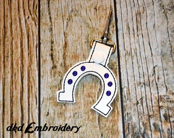 Lucky Horseshoe Key Chain - Vinyl keychain snap key fob - Horse Lovers Keychain
