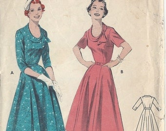 "1950s Vintage Sewing Pattern B34"" DRESS (R660)   Butterick 7364"