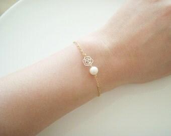 Silver Flower charm bracelet, Flower Girl Bracelet,  Freshwater Pearl Bracelet, Little Girl Bracelet,Bridesmaid Bracelet, Dainty Bracelet,