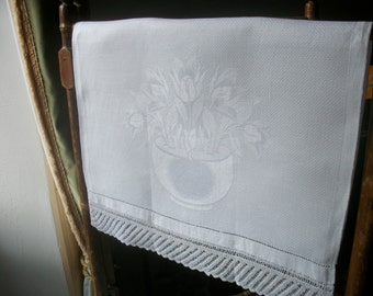 Damask Tea towel, Hand or Guest Towel Torchon C1900 Tulips Antique French Crochet Lace Ladderback