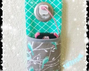 iPhone, iPod wall docking station