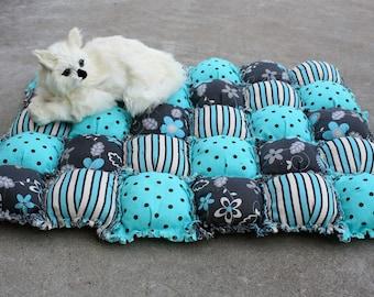 Puffy Cat Blanket, Cat Quilt, Luxury Cat Bed ,Puffy Pet Blanket, Pet Quilt, Turquoise Pet Blanket, Puffy Pet Pad, Biscuit Quilt, Dog Blanket