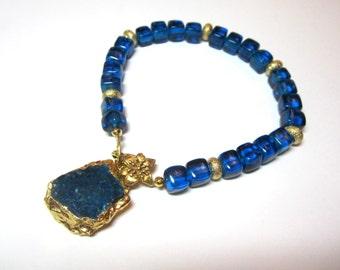 London Blue Topaz Quartz Bracelet with Apatite Charm. Blue Quartz Bracelet. Gemstone Charm. Under 50. Gifts for Her.