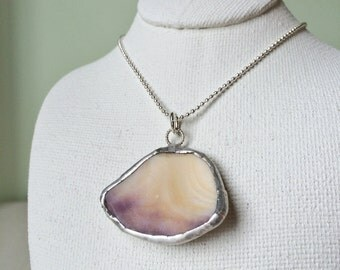 Necklace - Shell pendant 002