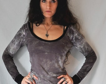 NEW thymea // long fitted top