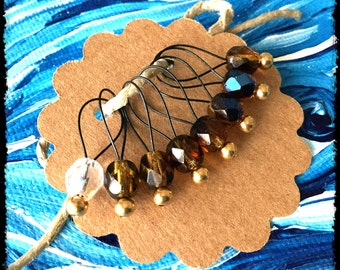 Snag Free Stitch Markers Medium Set of 8 - Brown and Black Faceted Czech Glass - M40 -- For up to size US 11 (8mm) Knitting Needles