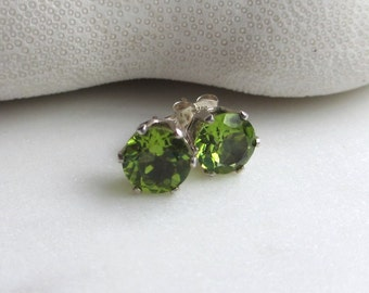 Peridot Stud Earrings, August Birthstone Earrings, Faceted Natural Peridot Post Earrings, Green Gemstone Studs, Gemstone Earrings, Mariann