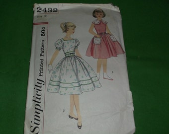 Vintage Simplicity Pattern 2432 Girls size 10 dress