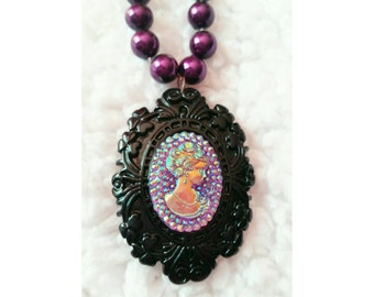 Gothic Lolita Victorian Lady Iridescent Cameo Necklace in Black and Dark Purple, clearance sale