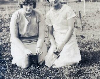 vintage photo 1931 Wavy Hair Flapper era Women w Kodak Camera Take photo Vintage Snapshot