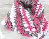 Mobius Twisted Chunky Pink and Gray Cowl Scarf