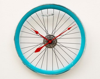 Recycled July 4th Bike Wheel Clock