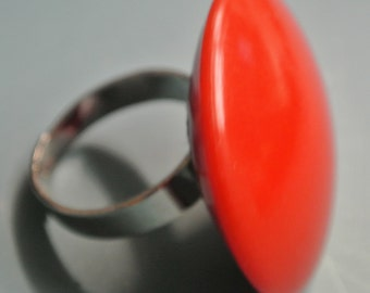 Adjustable silvercolor ring with genuine tested opaque round vintage 1950s bright red plastic bead