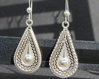 Vintage Silver Filigree Dangle Earrings