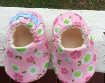 Baby Shoes, Soft Sole Baby Shoes, Baby Girl, Pink, Flowers, Crib Shoes, Booties