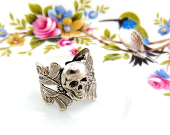 SILVER RING Filigree Gothic Skull Ring ~ Antique Silver Ring ~ Adjustable Statement Ring (RD-2)