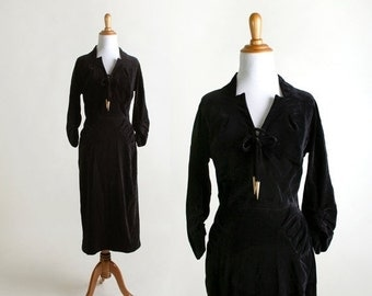 ON SALE Vintage Velvet Dress - 1940s Bias Cut Tassle Bow Dress - Small XS