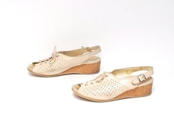 size 7 CLOGS tan leather 70s CORK WEDGE slingback lace up sandals