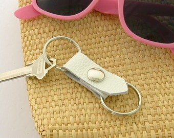 White Leather Valet Key Fob 3rd Anniversary Gift Double Keychain Snapping Leather Key Ring Handmade Leather Accessory Women's Keychain