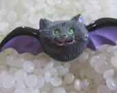 Vintage  RUSS Halloween bat PIN