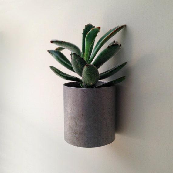 wall planter modern recycled metal planter home decor. Black Bedroom Furniture Sets. Home Design Ideas