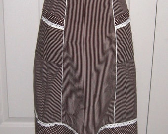 half apron . german apron . cafe house apron . German Cafe House Apron . brown and white Apron . polka dot Half Apron