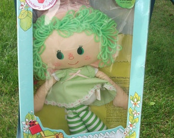 Vintage Strawberry Shortcake Lime Chiffon Rag Doll Kenner 1980 Mint in Box!