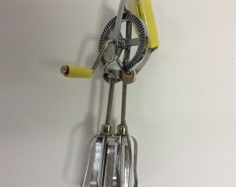 Vintage Egg Beater Hand mixer