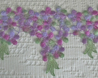 Dangly Daisies Hand Dyed Venise Lace, Trim, Embellishment, Quilts, Sewing