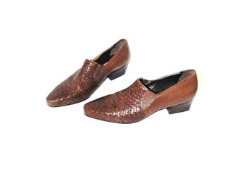 pointy slip on loafers 80s vintage woven leather pointed toe western ankle booties size 9