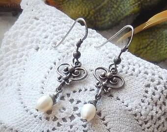 One of a Kind .925 Sterling Silver Genuine Pearl Dangle Pierced Earrings