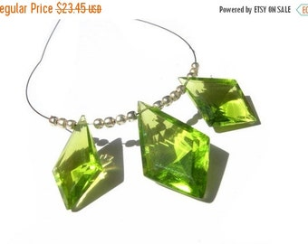 50% Off Valentine day 3 Piece Set - AAA Peridot Quartz  Faceted Fancy Kite Briolettes Matched Pair and a focal pendant Size- 19x12 - 22x14mm