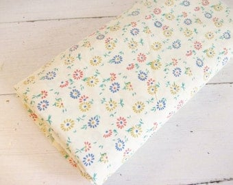 3.5Yards Vintage Lightweight Daisy Floral Woven Fabric
