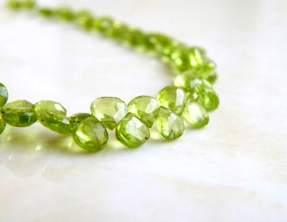 Peridot Briolette Gemstone Faceted Heart Bright Green 5.5mm 25 beads