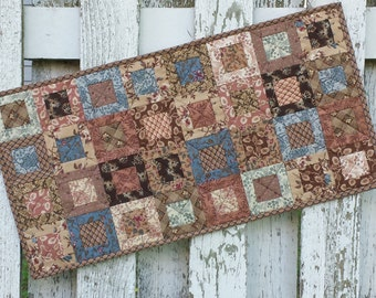 Quilted Table Runner - Cedar Box (EDTR49)
