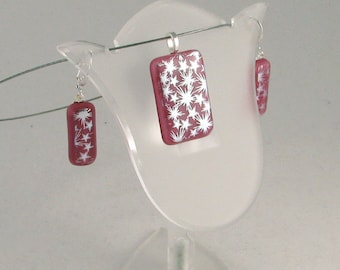 Silver Starbursts on Mauve Pendant and/or earrings - dichroic fused glass jewelry (4299-4400)