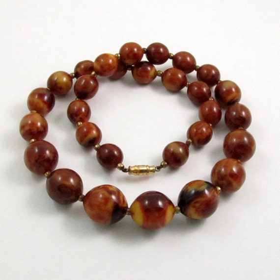 Vintage Art Deco Marbled Brown Bakelite Bead Necklace
