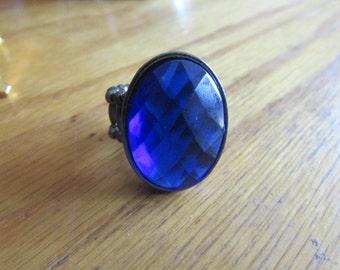 stretchy sparkly blue gem ring
