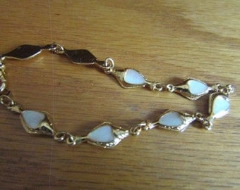 mother pearl dainty heart
