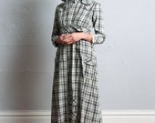 ON SALE Antique Pioneer Dress . American Wild West Gown