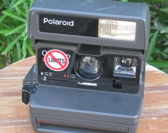 Vintage Polaroid One Step Close Up 600 Film Camera for Impossible Project 600 Film