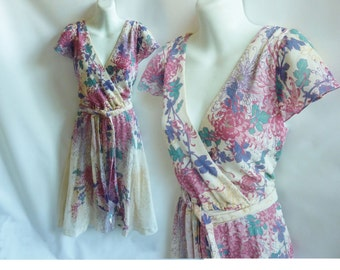 Vintage 70s Dress size L beige Pink Green Floral Cotton Gauze surplice Frock