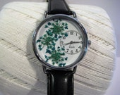 Womens Watch, Pressed Flower Watch, Green Wrist Watch with Turquoise Queen Anne Lace & Leather Band,Green Flower Watch with Queen Anne Lace