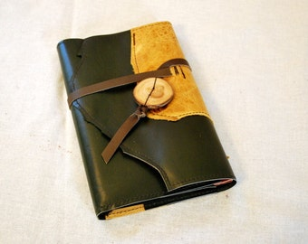 2017 Dark Green and Tan Refillable Leather Planner