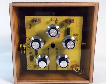 Wobbulator weirdo synthesizer noisebox theremin