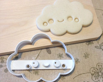 Smiley Cloud Cookie Cutter - Kawaii Fondant Icing Cake Cupcake Topper Iced Sugar Cookies Biscuit Mould Cute Happy Face Sky Weather Outdoor